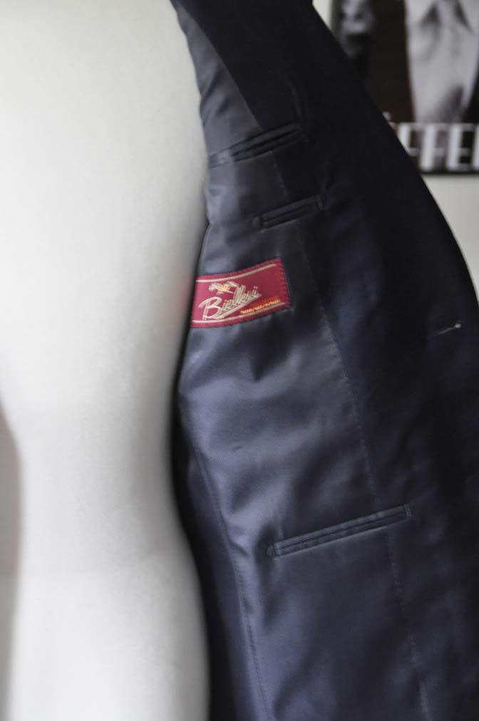 DSC05822 お客様のスーツの紹介-Biellesi 無地ネイビースーツ-