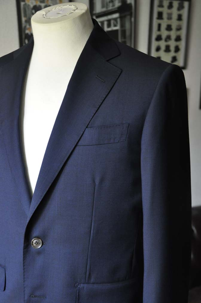 DSC05863 お客様のスーツの紹介-Biellesi 無地ネイビースーツ-