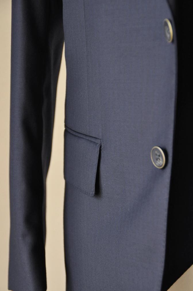 DSC05871 お客様のスーツの紹介-Pianceri 無地ネイビー スリーピース-