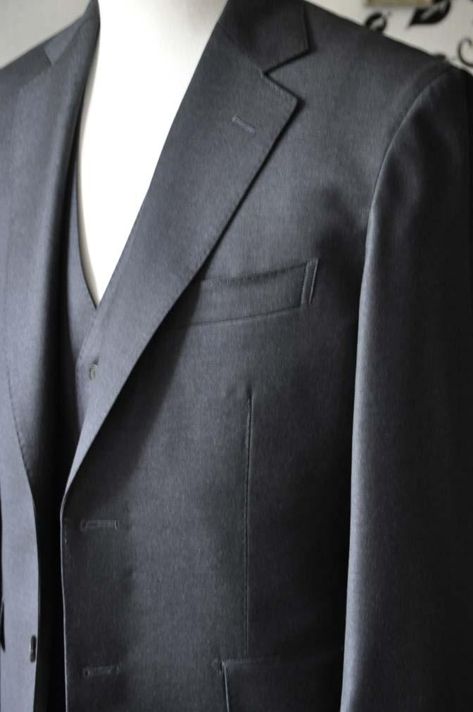 DSC0588-3 お客様のスーツの紹介-DORMEUIL AMADEUS ACTION無地グレースリーピース- 名古屋の完全予約制オーダースーツ専門店DEFFERT