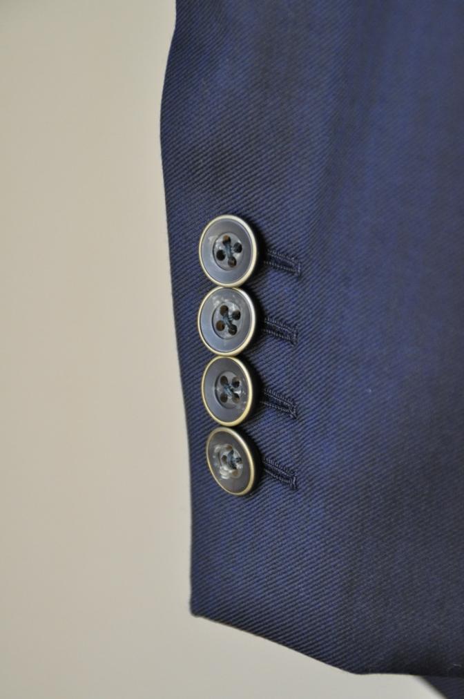 DSC0588 お客様のスーツの紹介-Pianceri 無地ネイビー スリーピース-
