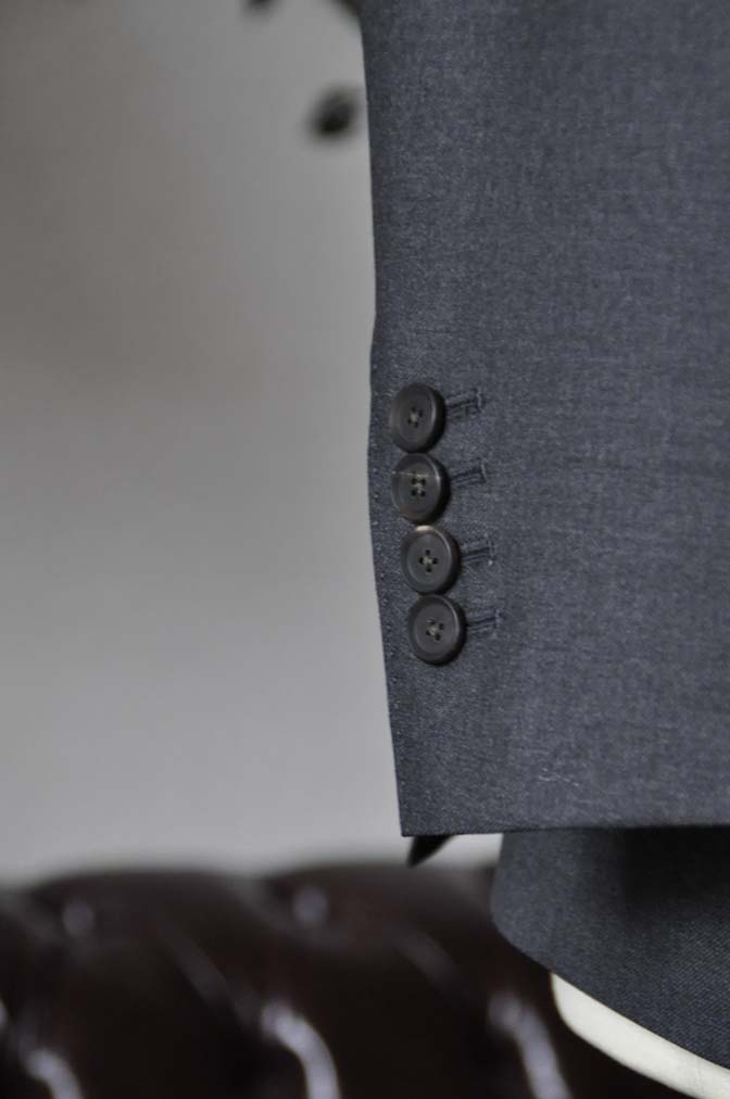 DSC0591-1 お客様のスーツの紹介-DORMEUIL AMADEUS ACTION無地グレースリーピース- 名古屋の完全予約制オーダースーツ専門店DEFFERT