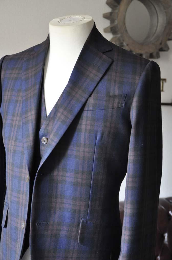 DSC0593-5 お客様のウエディング衣装の紹介- DARROWDALEネイビーチェック スリーピース-DSC0593-5 お客様のウエディング衣装の紹介- DARROWDALEネイビーチェック スリーピース- 名古屋市のオーダータキシードはSTAIRSへ