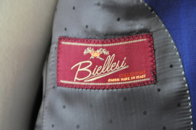 DSC05962 お客様のスーツの紹介-BIELLESI ブライトネイビーストライプ-