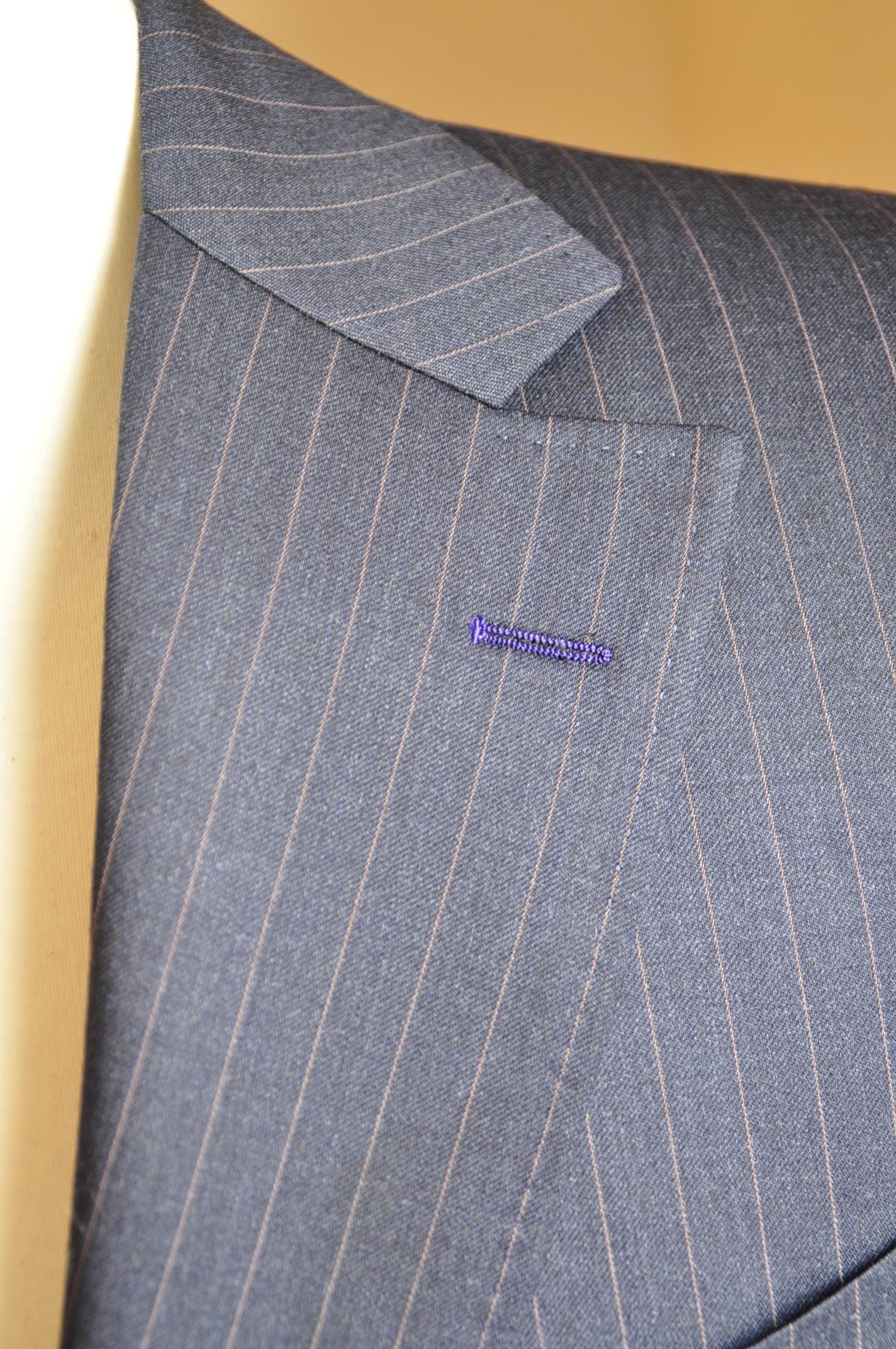 DSC05981 ボタンホール糸色変更 名古屋の完全予約制オーダースーツ専門店DEFFERT