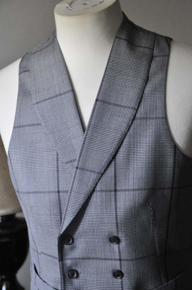 DSC0600-2 お客様のウエディング衣装の紹介-Biellesi ネイビースーツ グレーチェックベスト-