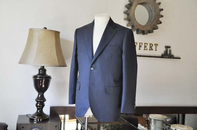 DSC0606-1 お客様のスーツの紹介-Biellesi 無地ネイビー-