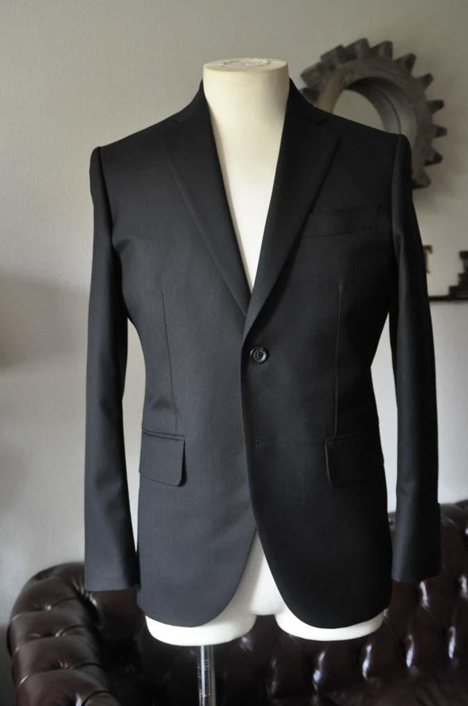 DSC0610-2 お客様のスーツの紹介-ブラックスーツ- 名古屋の完全予約制オーダースーツ専門店DEFFERT