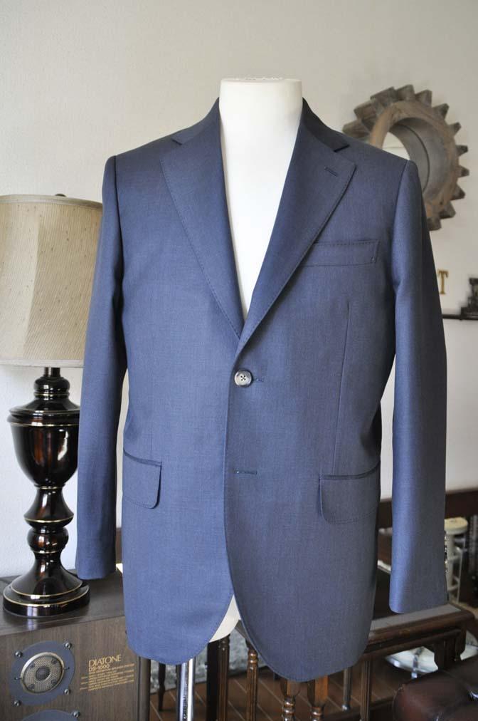 DSC0610-3 お客様のスーツの紹介-Biellesi 無地ネイビー-