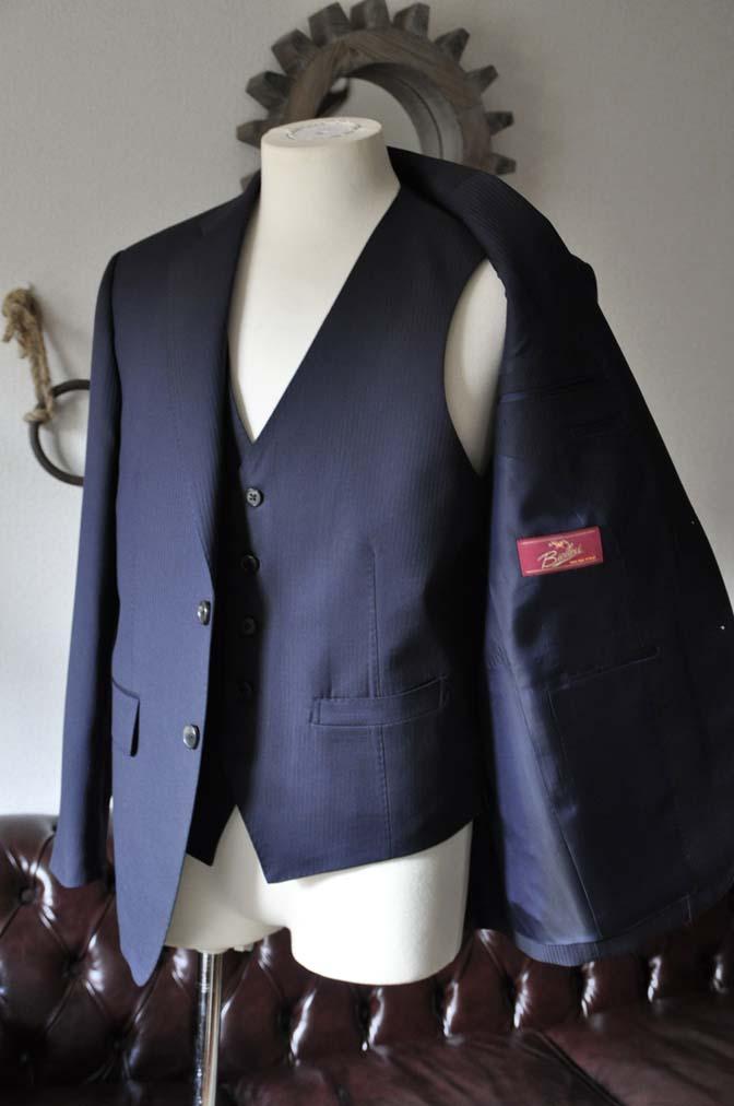 DSC0611-1 お客様のスーツの紹介- Biellesi ネイビーヘリンボーン スリーピース-