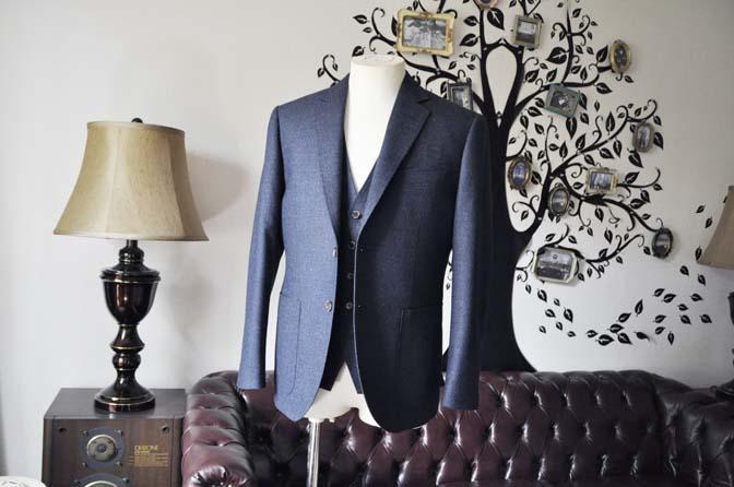 DSC0611-2 お客様のスーツの紹介-無地ネイビーフランネル スリーピース- 名古屋の完全予約制オーダースーツ専門店DEFFERT