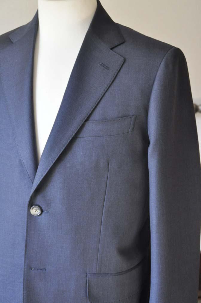 DSC0614-5 お客様のスーツの紹介-Biellesi 無地ネイビー-