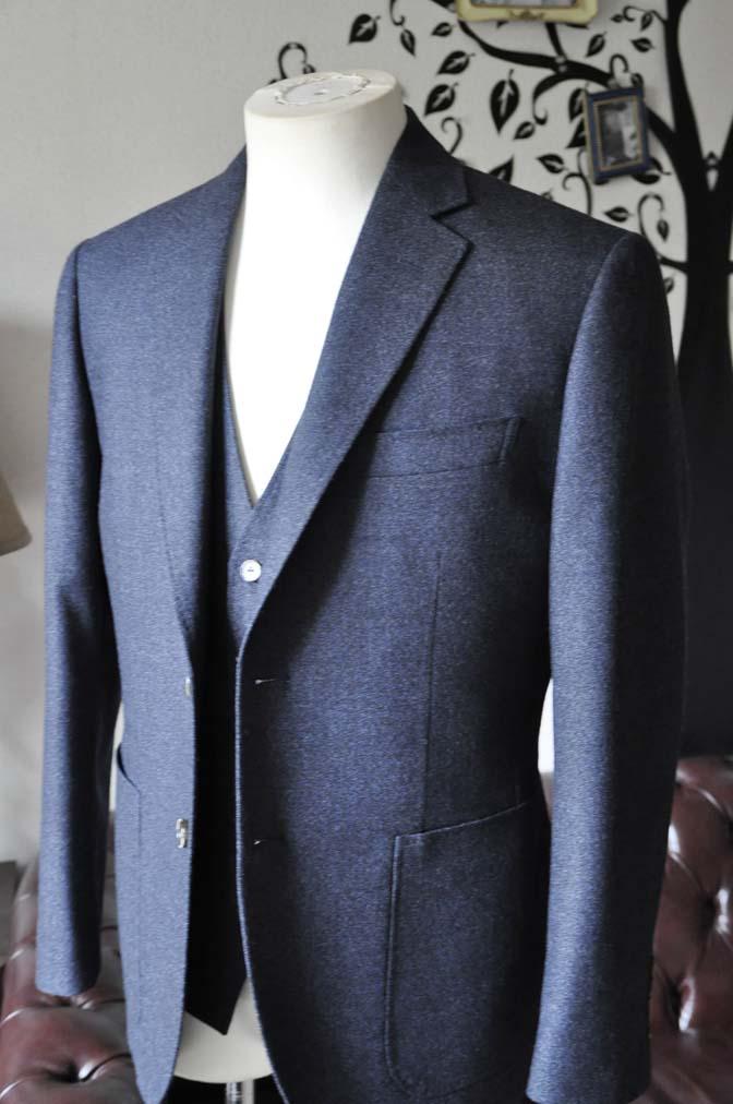 DSC0615-3 お客様のスーツの紹介-無地ネイビーフランネル スリーピース- 名古屋の完全予約制オーダースーツ専門店DEFFERT