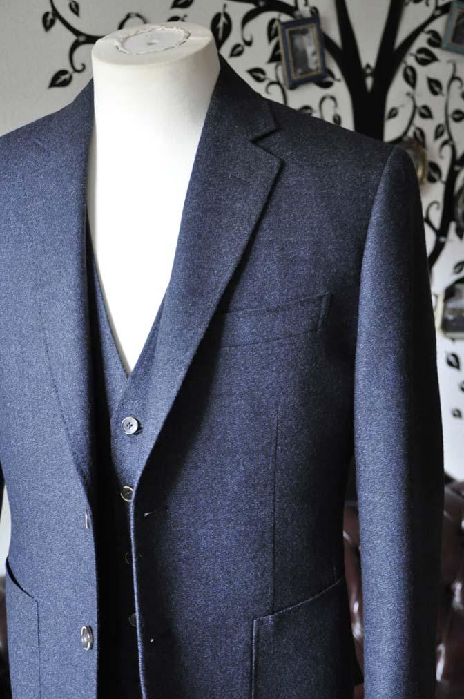 DSC0616-4 お客様のスーツの紹介-無地ネイビーフランネル スリーピース- 名古屋の完全予約制オーダースーツ専門店DEFFERT