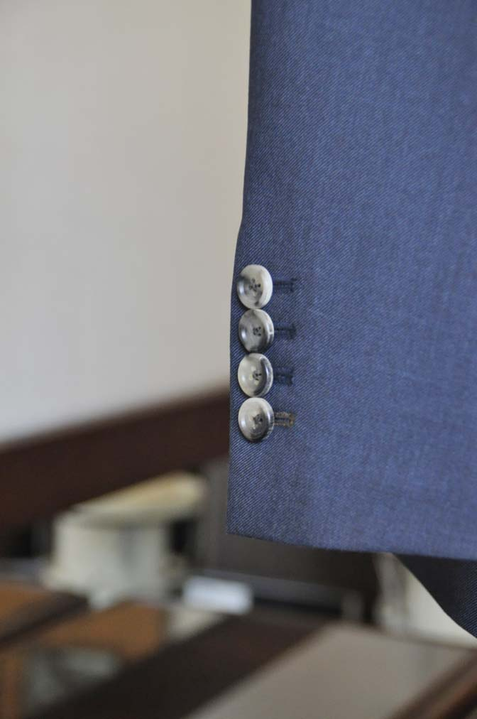 DSC0618-4 お客様のスーツの紹介-Biellesi 無地ネイビー-