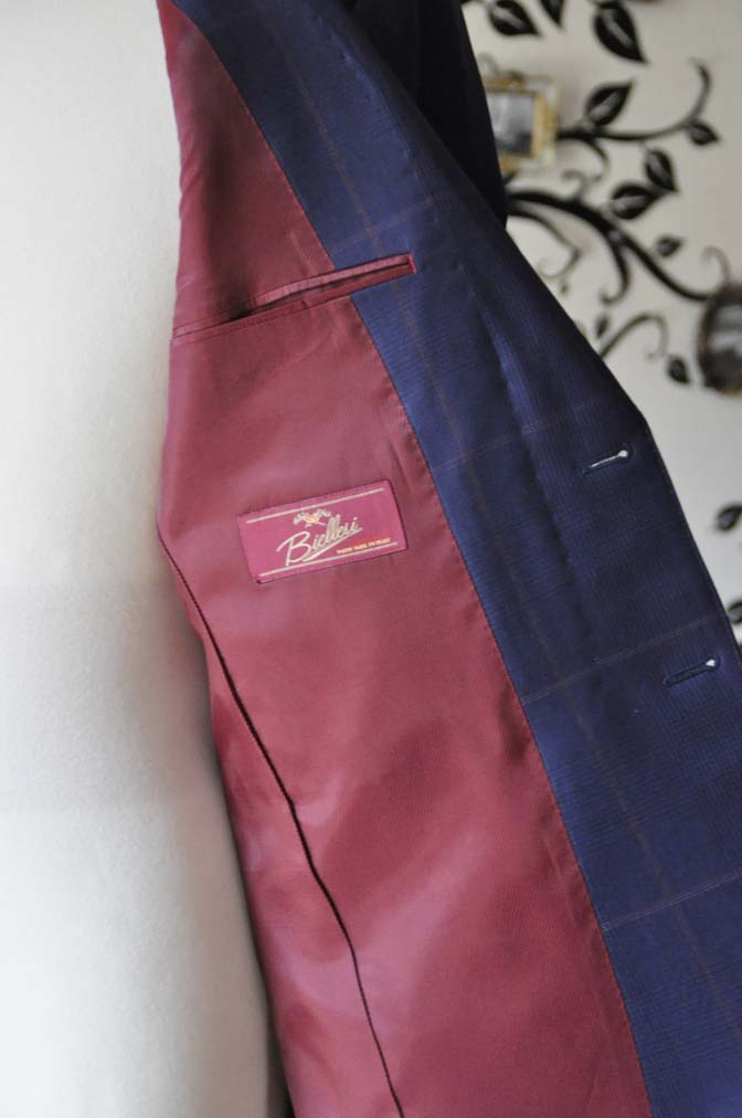 DSC0623-3 お客様のスーツの紹介-Biellesiネイビーチェックスーツ-