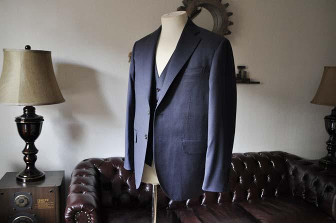 DSC0624-1 お客様のスーツの紹介- Biellesi ネイビースリーピース- 名古屋の完全予約制オーダースーツ専門店DEFFERT