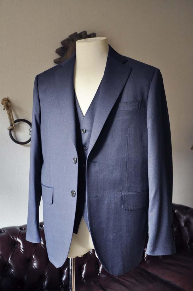 DSC0625-1 お客様のスーツの紹介- Biellesi ネイビースリーピース- 名古屋の完全予約制オーダースーツ専門店DEFFERT