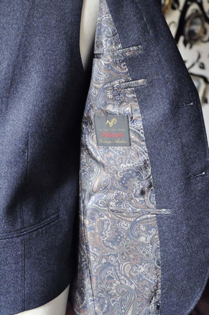 DSC0625-4 お客様のスーツの紹介-無地ネイビーフランネル スリーピース- 名古屋の完全予約制オーダースーツ専門店DEFFERT