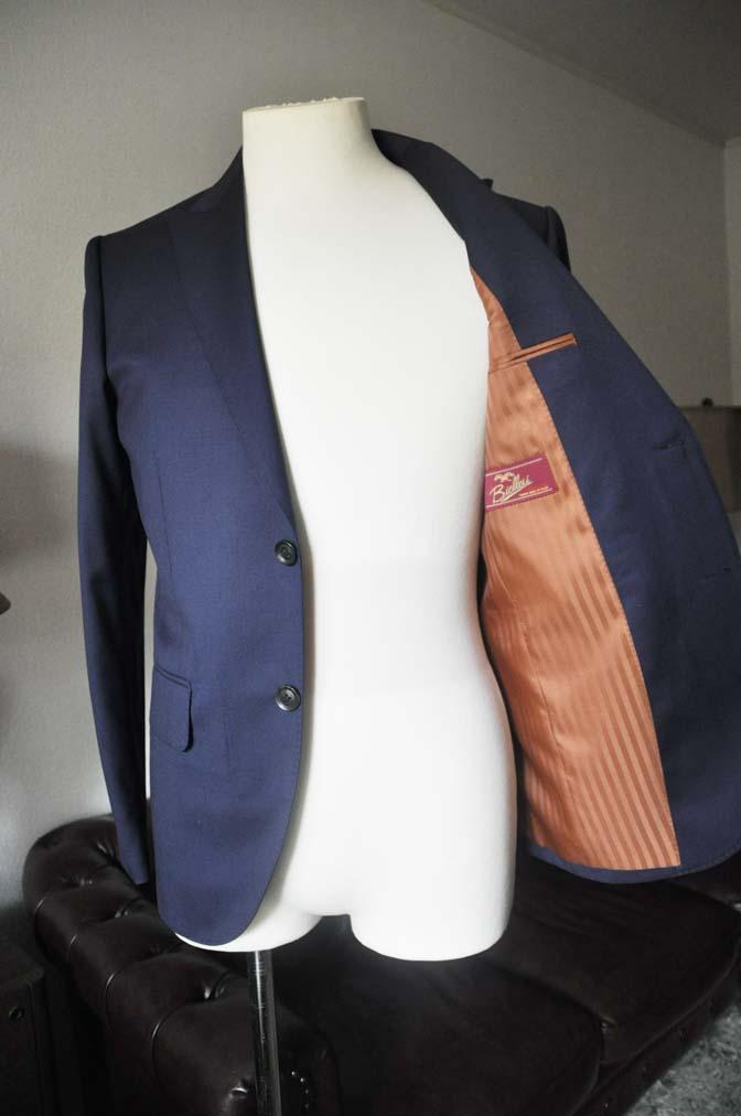 DSC0627-3 お客様のスーツの紹介- Biellesi 無地ネイビースーツ-