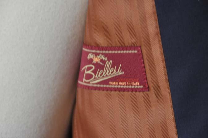 DSC0629-2 お客様のスーツの紹介- Biellesi 無地ネイビースーツ-