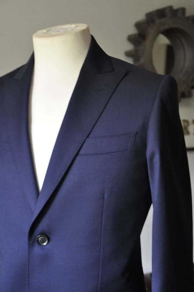 DSC0630-2 お客様のスーツの紹介- Biellesi 無地ネイビースーツ-