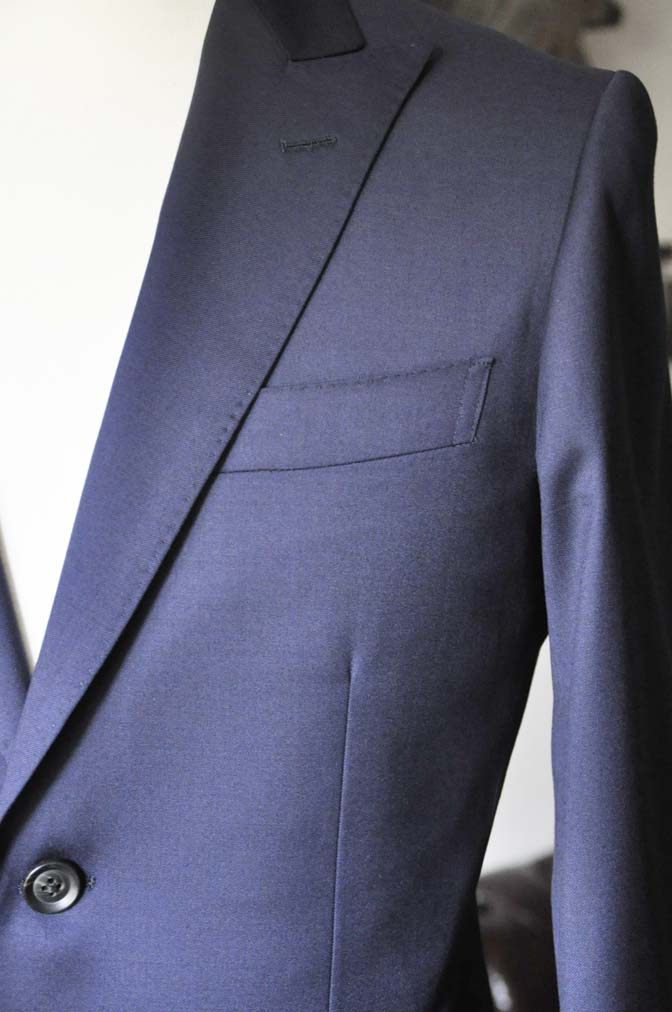 DSC0632-4 お客様のスーツの紹介- Biellesi 無地ネイビースーツ-