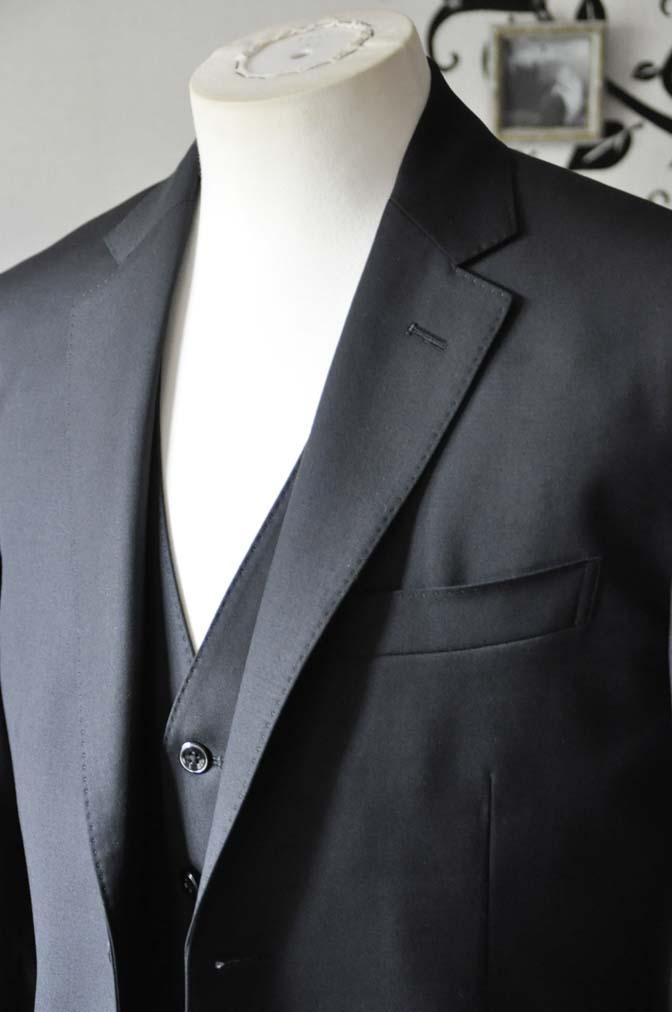 DSC0634-3 お客様のスーツの紹介-CANONICO 無地ブラック スリーピース-
