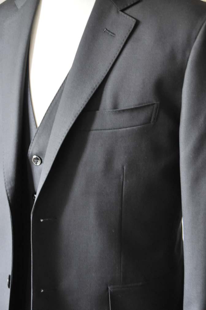 DSC0635-4 お客様のスーツの紹介-CANONICO 無地ブラック スリーピース-