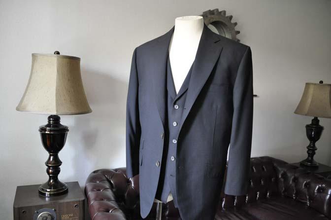 DSC0636-1 お客様のスーツの紹介- CANONICOブラックチェック スリーピース- 名古屋の完全予約制オーダースーツ専門店DEFFERT