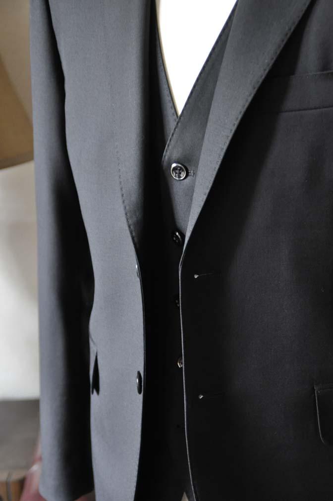 DSC0636-3 お客様のスーツの紹介-CANONICO 無地ブラック スリーピース-