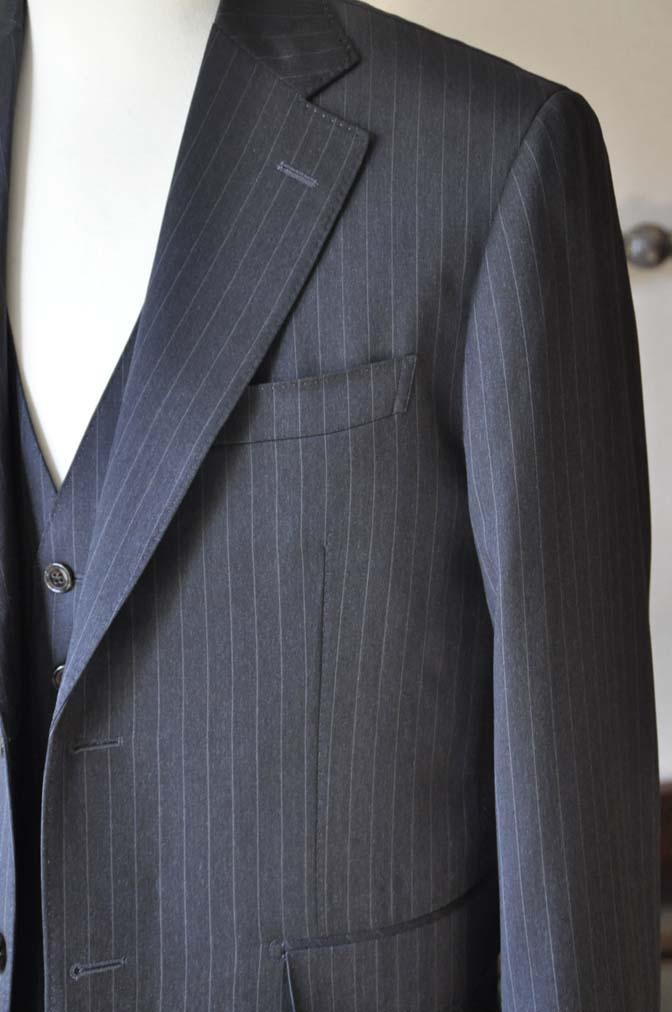 DSC0637-5 お客様のスーツの紹介-Biellesiグレーストライプ スリーピース-
