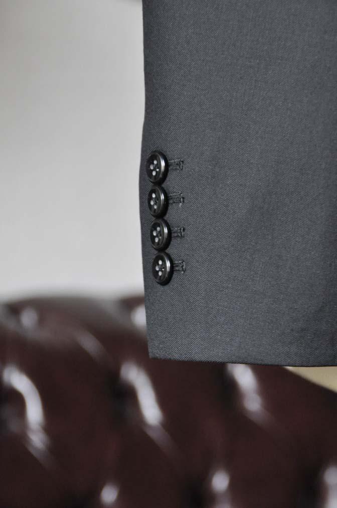 DSC0638-3 お客様のスーツの紹介-CANONICO 無地ブラック スリーピース-