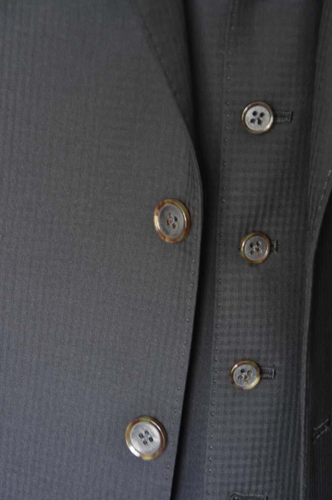 DSC0642-1 お客様のスーツの紹介- CANONICOブラックチェック スリーピース- 名古屋の完全予約制オーダースーツ専門店DEFFERT