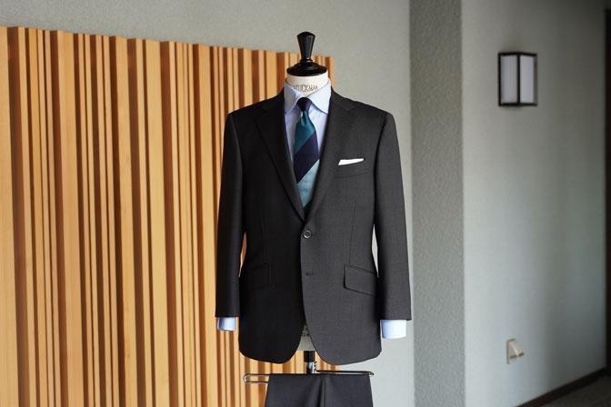 DSC06426 オーダースーツの紹介-CANONICOブラウンウィンドペン スーツ-