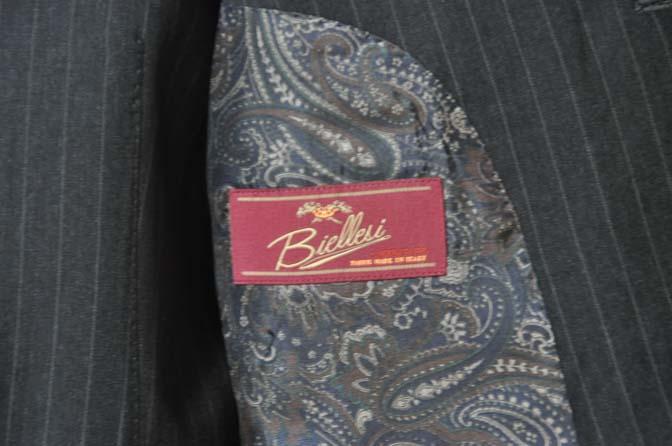 DSC0644-3 お客様のスーツの紹介-Biellesiグレーストライプ スリーピース-