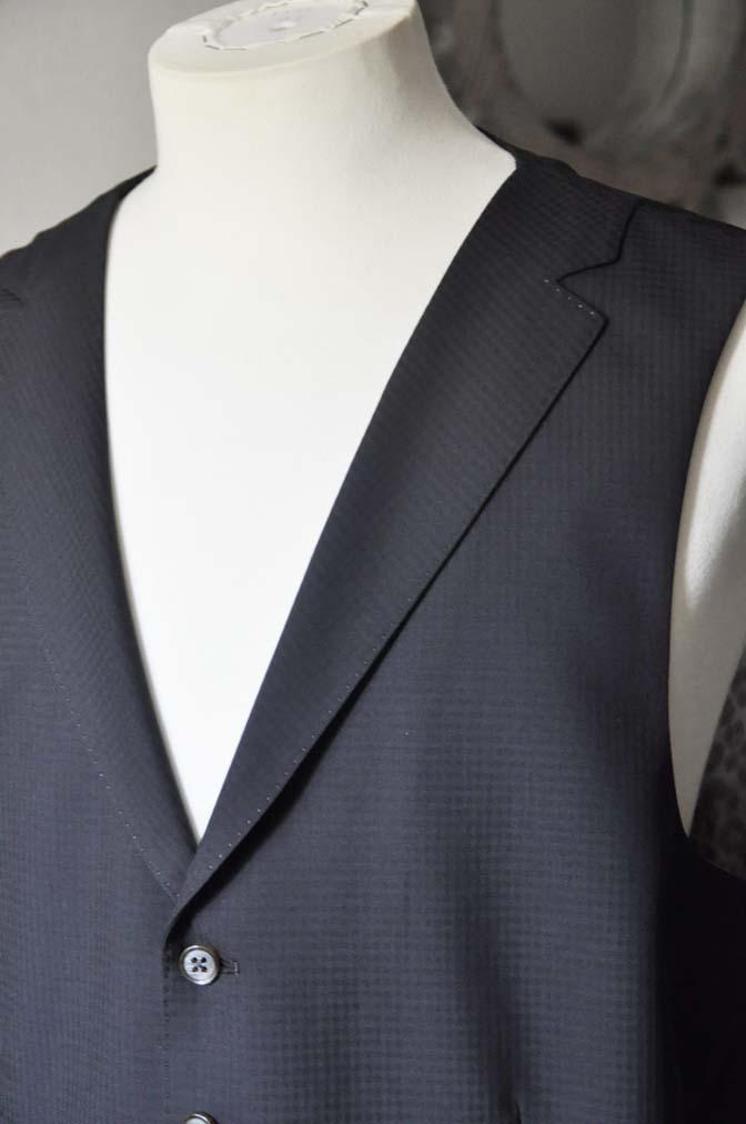 DSC0649-1 お客様のスーツの紹介- CANONICOブラックチェック スリーピース- 名古屋の完全予約制オーダースーツ専門店DEFFERT