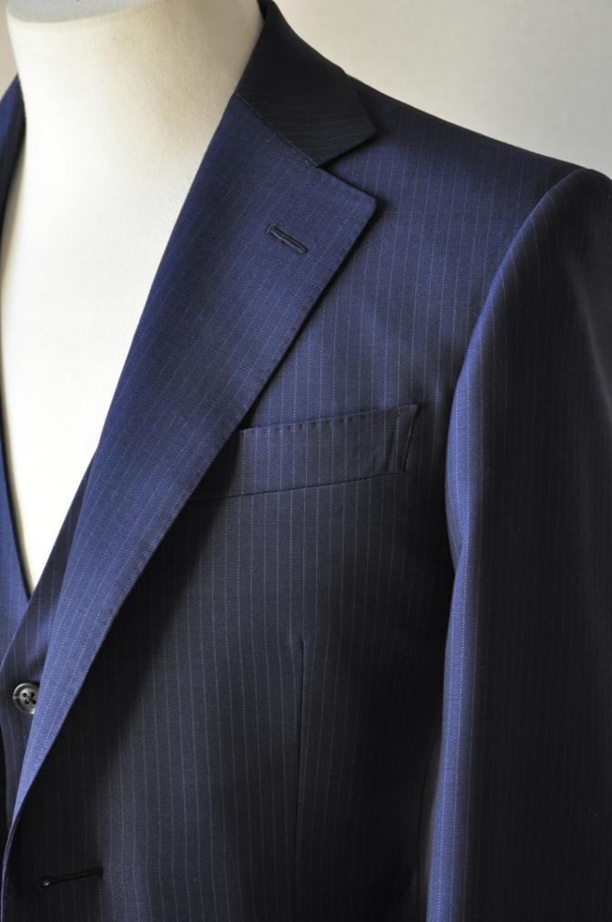 DSC06502 お客様のスーツの紹介-ネイビーストライプ スリーピース-