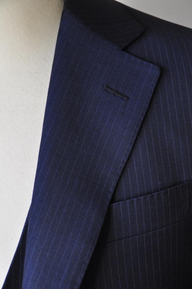 DSC06512 お客様のスーツの紹介-ネイビーストライプ スリーピース-