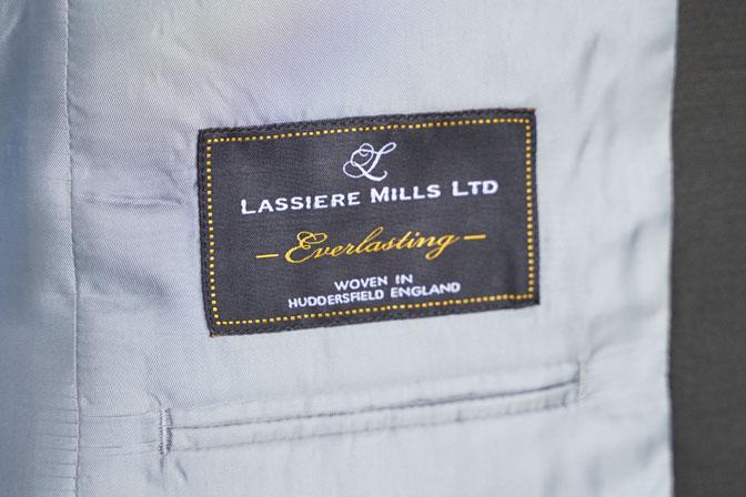 DSC06521-1 オーダースーツの紹介-LASSIERE MILLSモヘア混カーキ セットアップスーツ-