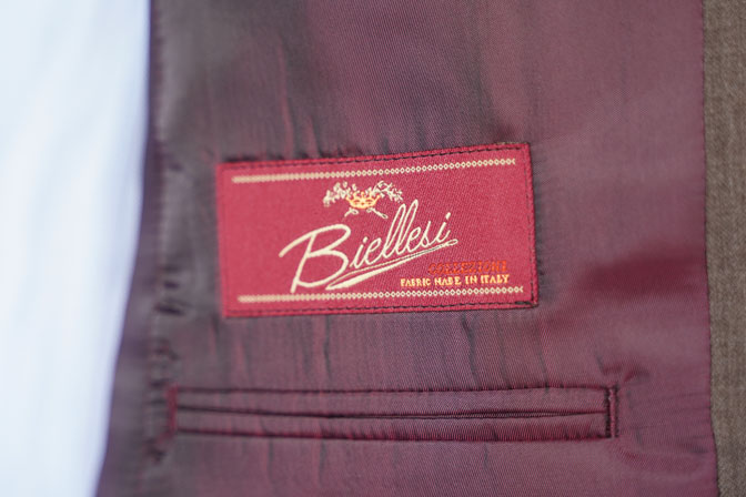 DSC06538 オーダースーツの紹介-Biellesiブラウンヘリンボーンスーツ-