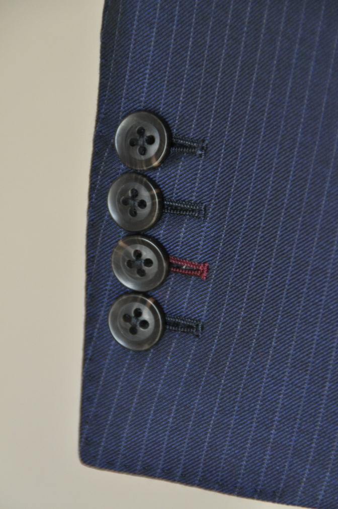 DSC06552 お客様のスーツの紹介-ネイビーストライプ スリーピース-