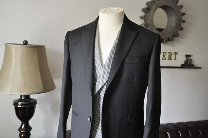 DSC0657-3 お客様のウエディング衣装の紹介-CANONICO ブラックスーツ 千鳥格子襟付きダブルベスト-