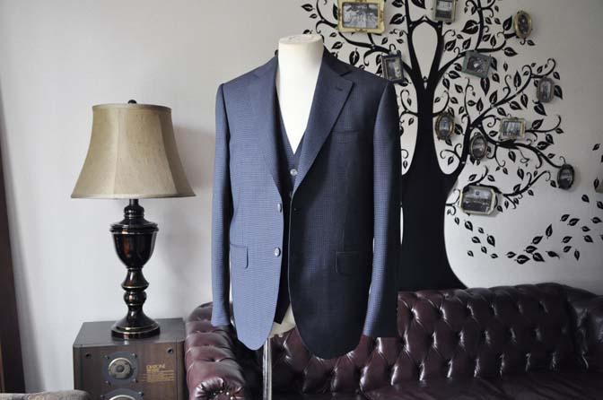 DSC0658-7 お客様のスーツの紹介-Biellesiネイビー千鳥格子スリーピース-