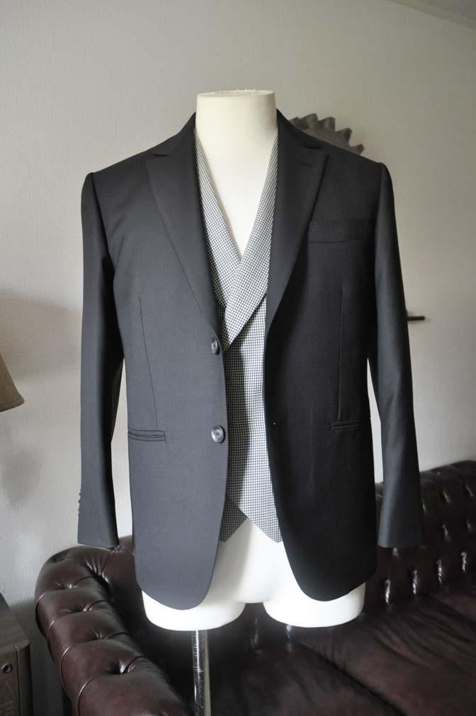DSC0659-3 お客様のウエディング衣装の紹介-CANONICO ブラックスーツ 千鳥格子襟付きダブルベスト-