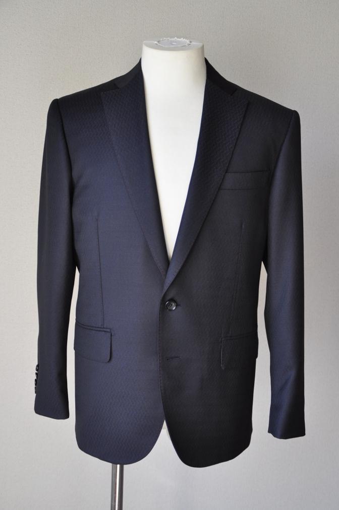 DSC06602 お客様のスーツの紹介-DORMEUIL AMADEUS ネイビースーツ-