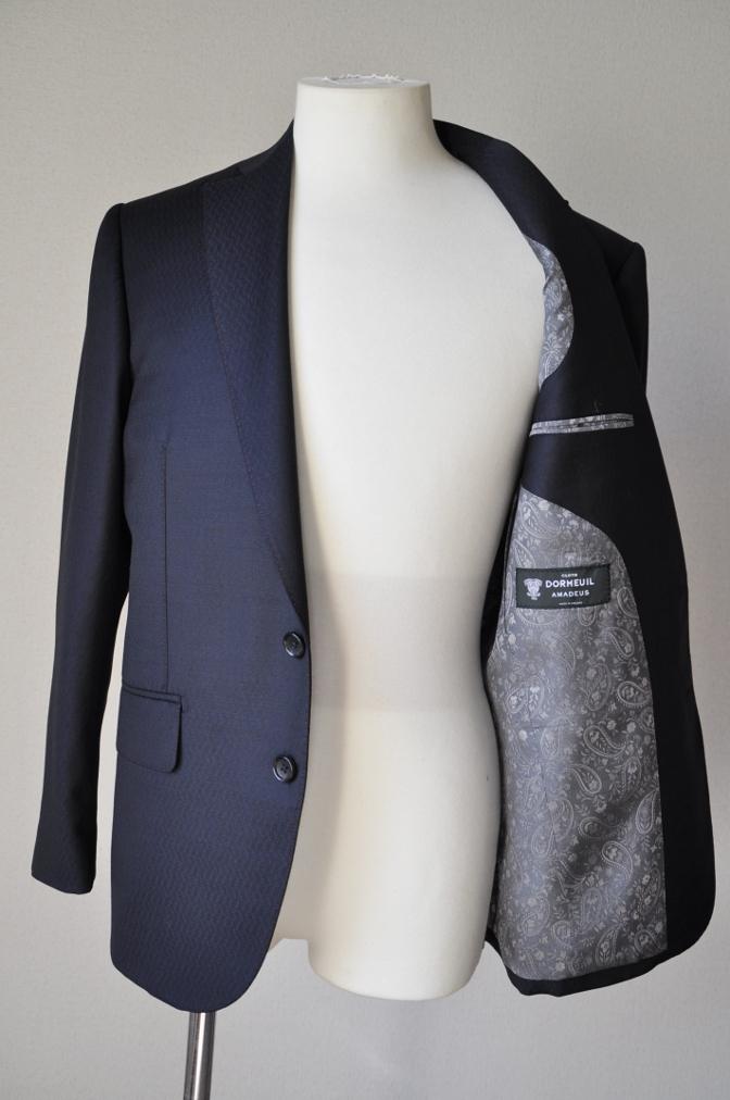 DSC06612 お客様のスーツの紹介-DORMEUIL AMADEUS ネイビースーツ-