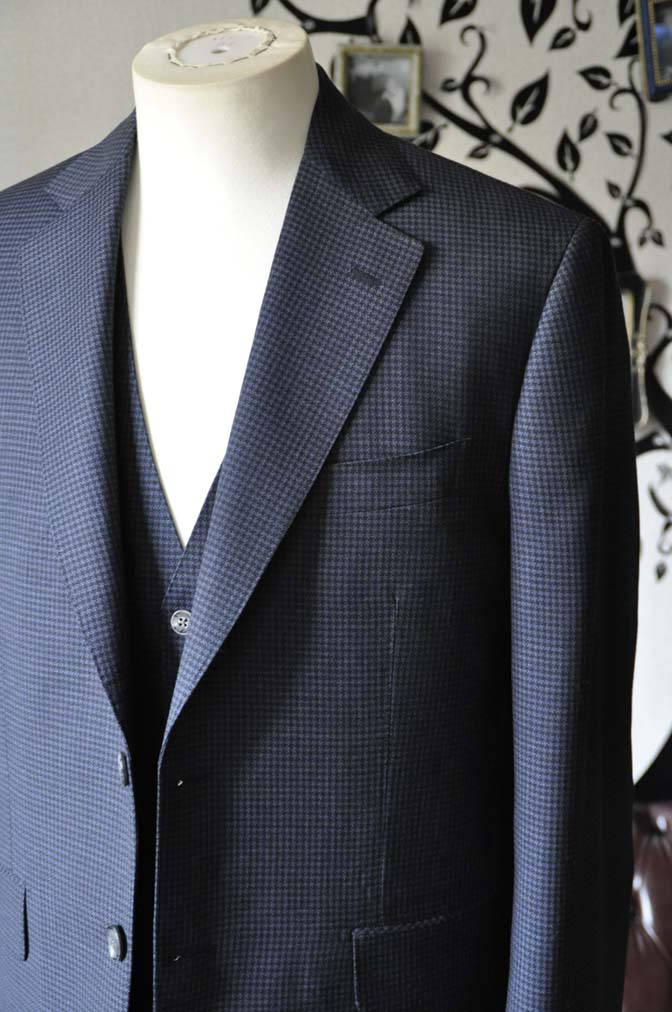 DSC0662-5 お客様のスーツの紹介-Biellesiネイビー千鳥格子スリーピース- 名古屋の完全予約制オーダースーツ専門店DEFFERT