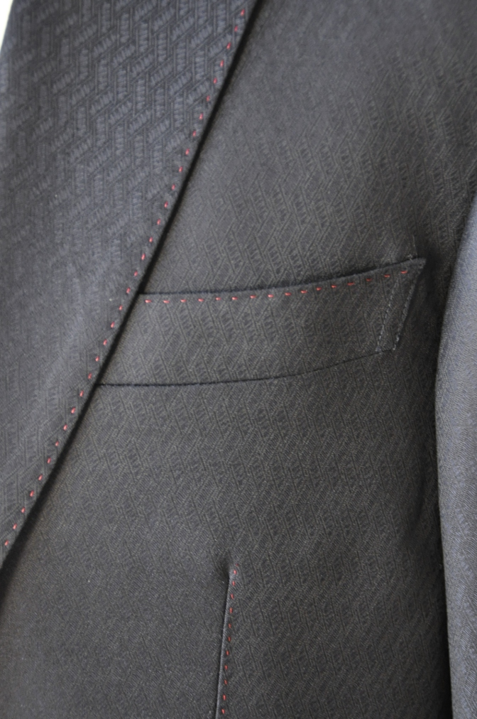 DSC06661 お客様のスーツの紹介-DORMEUIL AMADEUS ネイビースーツ-