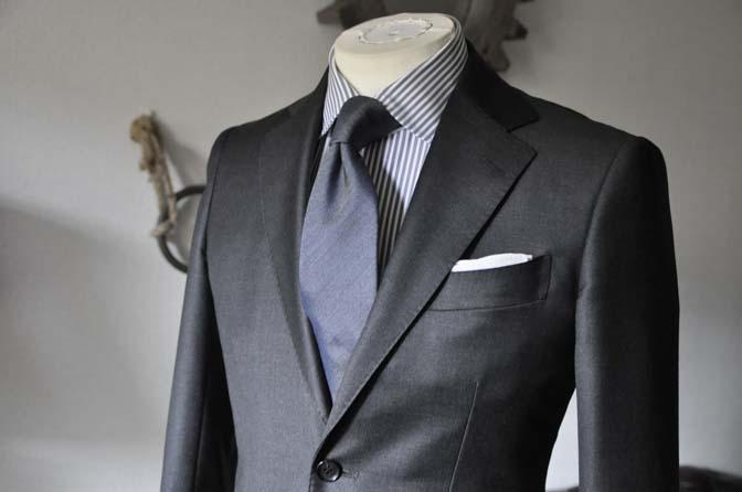 DSC0668-2 お客様のスーツの紹介 名古屋の完全予約制オーダースーツ専門店DEFFERT
